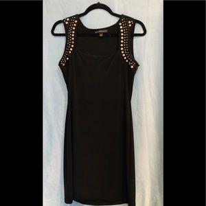 Sleeveless knit black dress